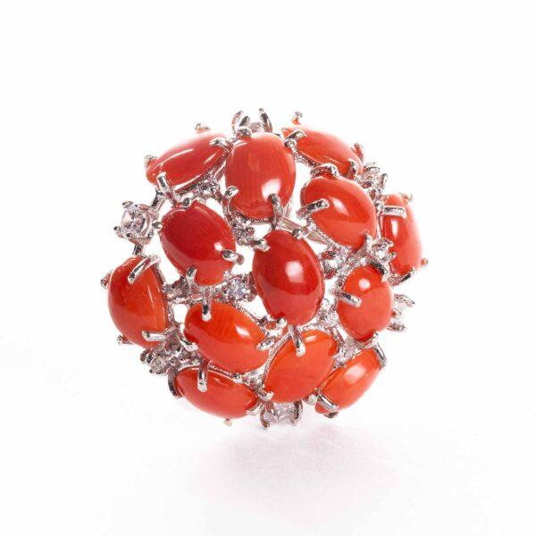 orecchini in argento a forma di cupola con corallo