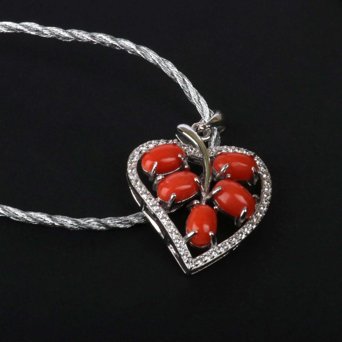 collana cuore con corallo e argento